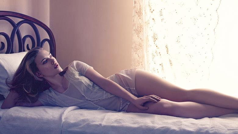 Скарлетт Йоханссон в нижнем белье: откровенные фото